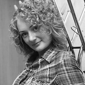 russian ukrainian voiceover talent female